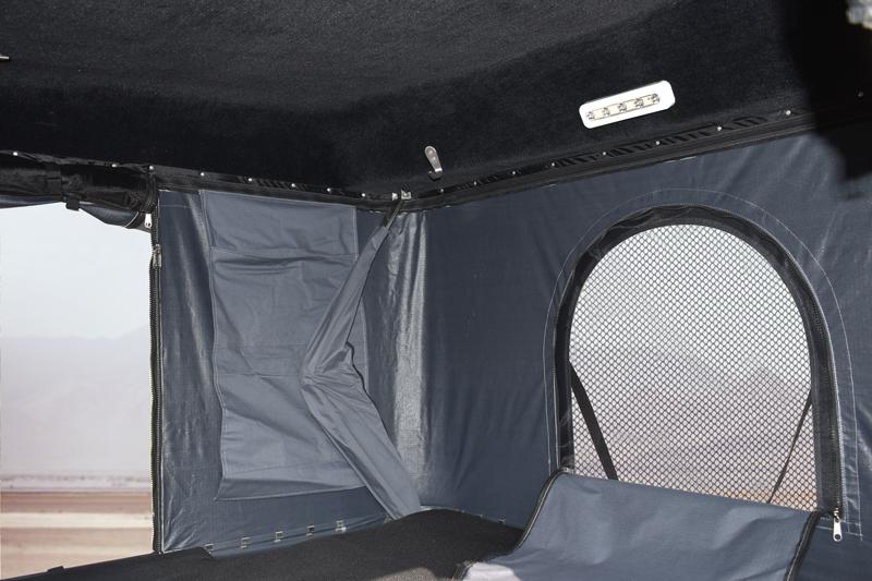 espace intérieur tente de toit Nomad'up pratique